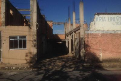 Cômodo comercial + apartamento Centro Santa Cruz de Minas-MG